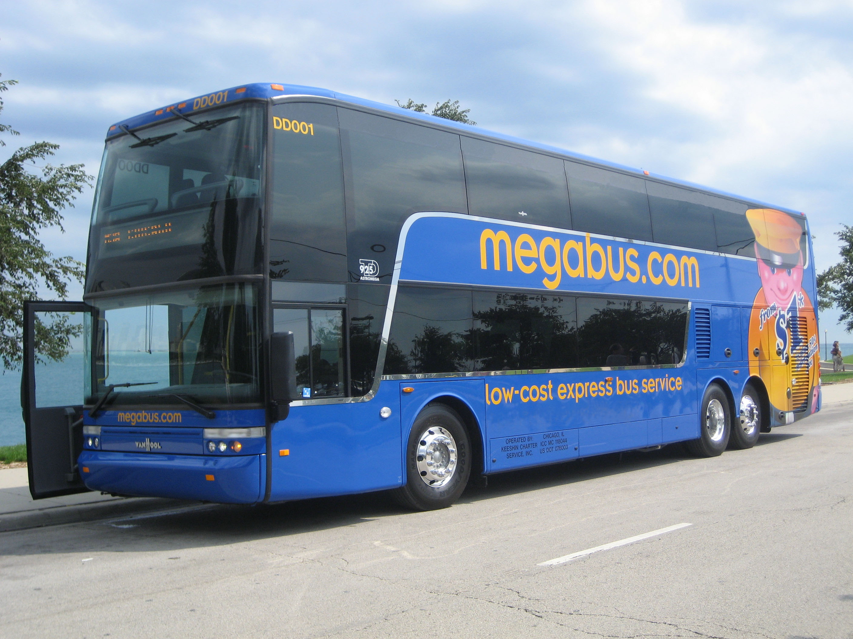 Megabus and Getting Comfortable Being Uncomfortable | Mr. Everyday